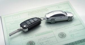 Gebrauchtwagen Finanzierung: Brief und Schlüssel